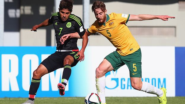 CHILLAN, CHILE - OCTOBER 21: Kevin Lara (L) of Mexico is challenged by Jackson Bandiera of Australia during the FIFA U-17 World Cup Chile 2015 Group C match between Australia and Mexico at Estadio Nelson Oyarzun Arenas on October 21, 2015 in Chillan, Chile.  (Photo by Alex Grimm - FIFA/FIFA via Getty Images)